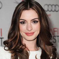 Anne Hathaway – Classy & Cool Anne Hathaway Brown