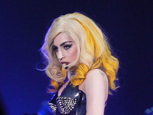 lady gaga in yellow - photo #8